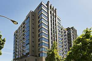 MLS # 19015344 : 333 NW 9TH AVE  UNIT 915