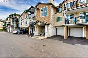 MLS # 19024865 : 740 NW 185TH AVE  UNIT 305