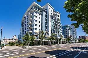 MLS # 19033453 : 1310 NW NAITO PKWY  UNIT 509A