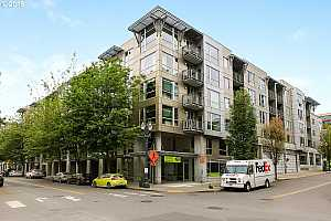 MLS # 19066027 : 1125 NW 9TH AVE  UNIT 322