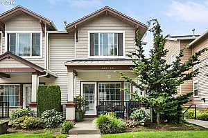 MLS # 19084472 : 605 NW 118TH AVE 101