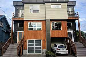 More Details about MLS # 19107039 : 5241 NE 15TH AVE