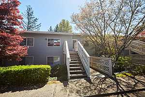 MLS # 19126523 : 3433 MCNARY PKWY  UNIT 211