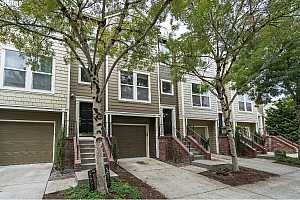 MLS # 19130283 : 2667 NW KENNEDY CT 118
