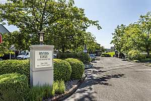 MLS # 19136072 : 5170 SW LANDING DR  UNIT 203