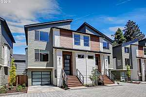 More Details about MLS # 19158485 : 5932 NE 42ND AVE