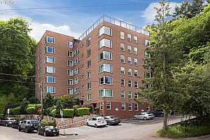 MLS # 19161203 : 1205 SW CARDINELL DR  UNIT 801