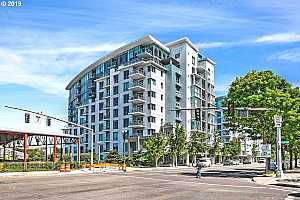 MLS # 19167140 : 1310 NW NAITO PKWY  UNIT 709A