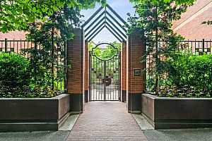 MLS # 19170051 : 1500 SW PARK AVE  UNIT 108