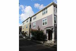 More Details about MLS # 19195795 : 128 SE 119TH AVE 7