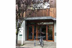 MLS # 19227362 : 915 SE 35TH AVE  UNIT 303