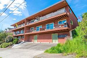MLS # 19244286 : 8521 N EDISON ST  UNIT A7