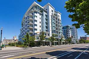 MLS # 19284201 : 1310 NW NAITO PKWY  UNIT 403A