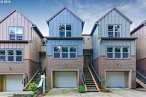 MLS # 19303176 : 7909 SW 31ST AVE 4