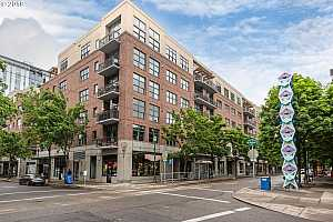 MLS # 19307247 : 821 NW 11TH AVE  UNIT 305