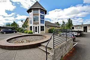 MLS # 19330214 : 15056 NW CENTRAL DR  UNIT 706