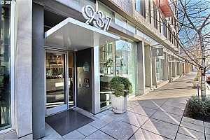 MLS # 19352648 : 937 NW GLISAN ST  UNIT 336
