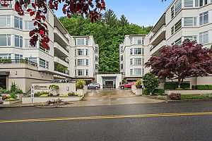 MLS # 19373657 : 2445 NW WESTOVER RD  UNIT 214