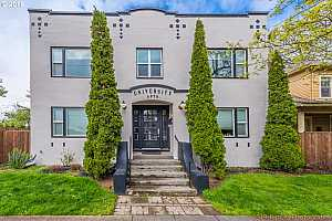 MLS # 19394941 : 4763 N LOMBARD ST  UNIT 7