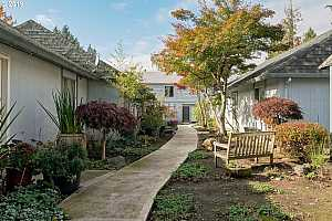 More Details about MLS # 19409398 : 4495 SW 96TH AVE 8