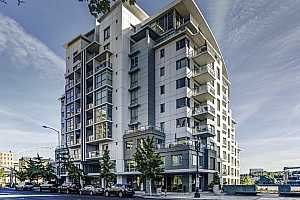 MLS # 19425547 : 1310 NW NAITO PKWY  UNIT #704A