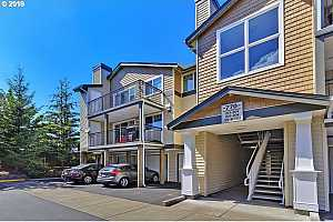 MLS # 19433340 : 770 NW 185TH AVE  UNIT 202