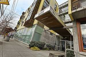 MLS # 19470900 : 1455 N KILLINGSWORTH ST  UNIT 303