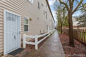 More Details about MLS # 19479176 : 2535 SE 141ST AVE 6