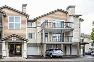 MLS # 19505104 : 770 NW 185TH AVE  UNIT 208