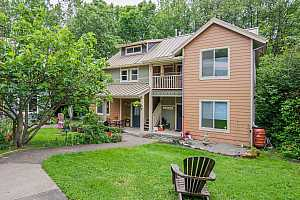 More Details about MLS # 19509778 : 4437 SW 94TH AVE