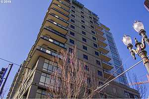 MLS # 19527504 : 1025 NW COUCH ST  UNIT 914