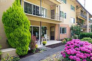 MLS # 19531258 : 1400 SE LAVA DR  UNIT 13