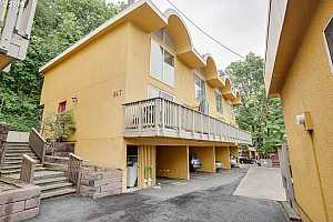 MLS # 19596867 : 847 SW BROADWAY DR  UNIT 31