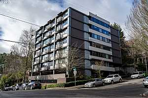 MLS # 19600737 : 2020 SW MAIN ST  UNIT 401