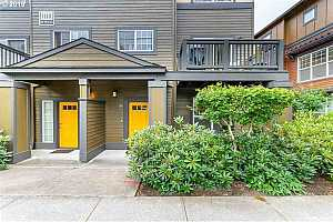 MLS # 19621215 : 1110 SW 170TH AVE  UNIT 100