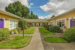 More Details about MLS # 19621558 : 5814 NE 6TH AVE