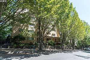 MLS # 19623376 : 2021 SW MAIN ST  UNIT 54