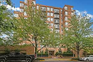 MLS # 19631871 : 1132 SW 19TH AVE 609
