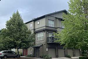 MLS # 19654563 : 1180 SW 170TH AVE  UNIT 202