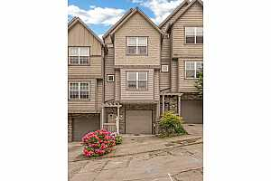 MLS # 19669199 : 2614 SW WATER AVE