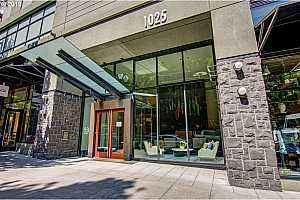 MLS # 19671649 : 1025 NW COUCH ST  UNIT 820