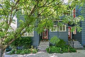 MLS # 19685609 : 1418 SE 30TH AVE