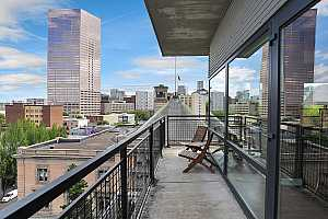 MLS # 19694538 : 300 NW 8TH AVE 807