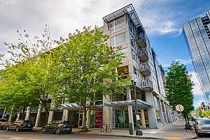 MLS # 20002343 : 1125 NW 9TH AVE 220