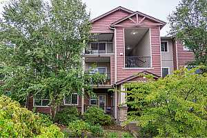 MLS # 20041284 : 10664 NE HOLLY ST 304