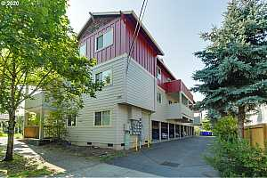 MLS # 20058807 : 225 SE 126TH AVE 4