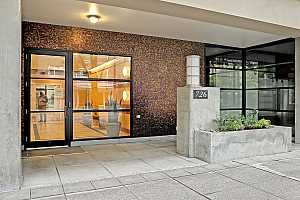 MLS # 20111586 : 726 NW 11TH AVE 206