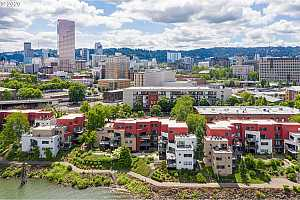 MLS # 20116773 : 710 NW NAITO PKWY C 11