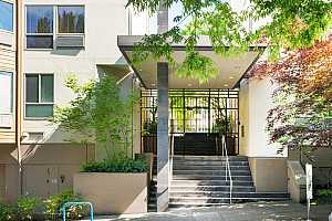 MLS # 20140616 : 1535 SW CLAY ST 237