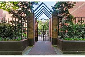 MLS # 20145578 : 1500 SW PARK AVE 403